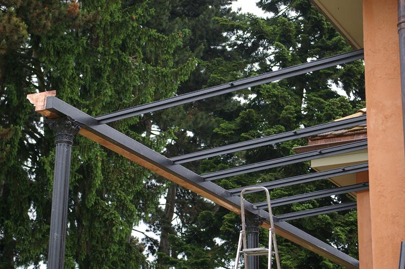 Particolare profilati usati per la costruzione della copertura.